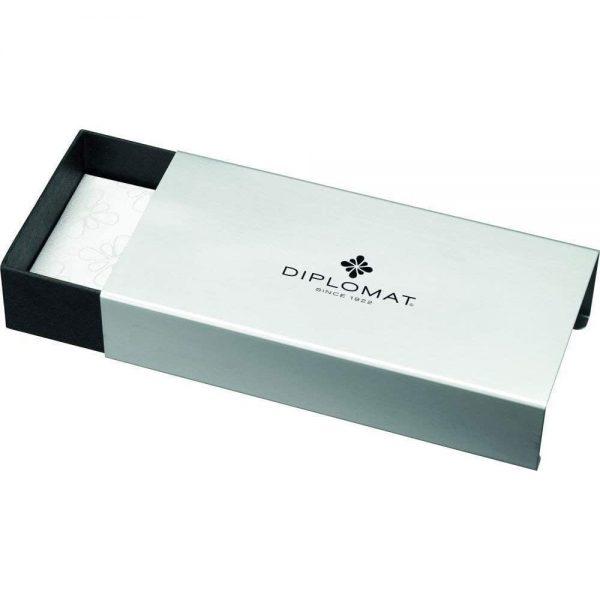 DIPLOMAT Esteem - Black Lacquer - stilou cu penita M, din otel inoxidabil