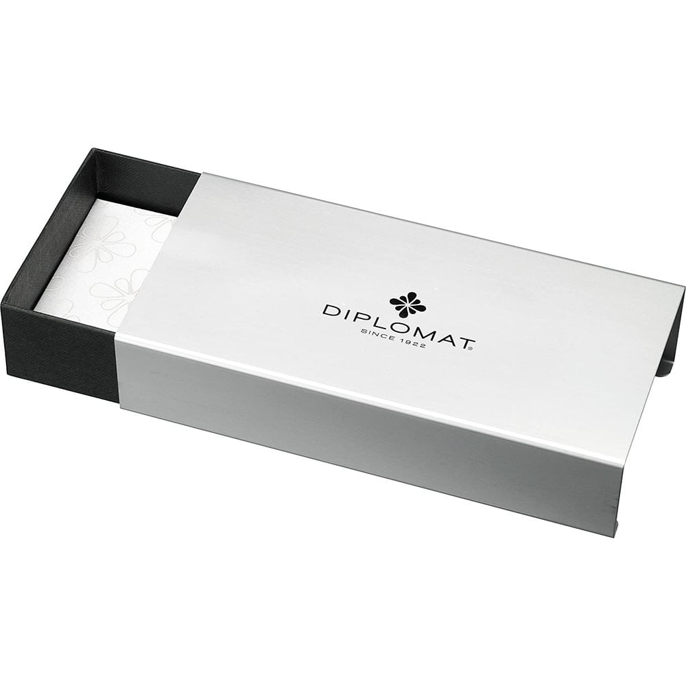 DIPLOMAT Excellence A - Venetia Platin Matt Chrome - stilou cu penita M, din otel inoxidabil