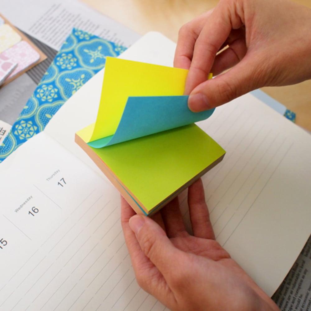 """Notes autoadeziv 76 x 76 mm, 100 file, Stick""""n Alternate - 4 culori neon"""